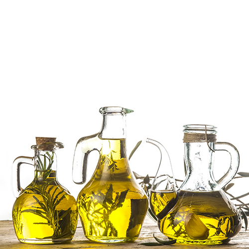 Bouteilles d'huile de tailles et formats divers